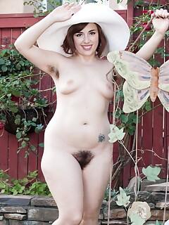 Hairy Outdoors Pics